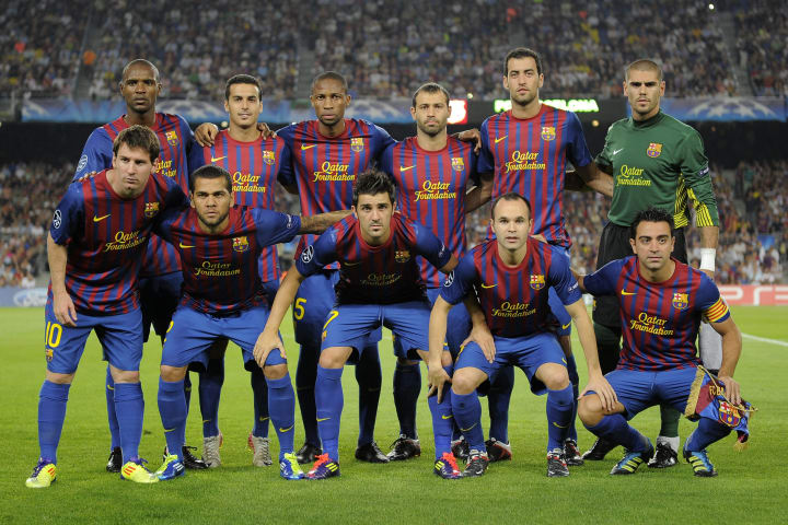 Barcelona's players pose before the Cham