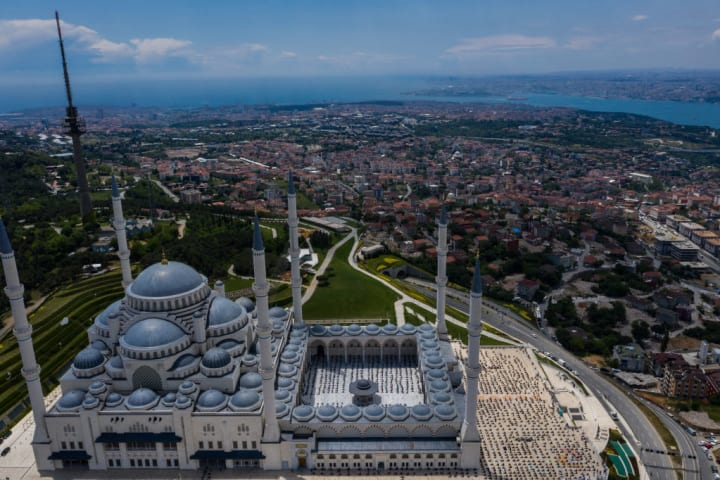 Istanbul Reopens As Coronavirus Infections Continue To Decline